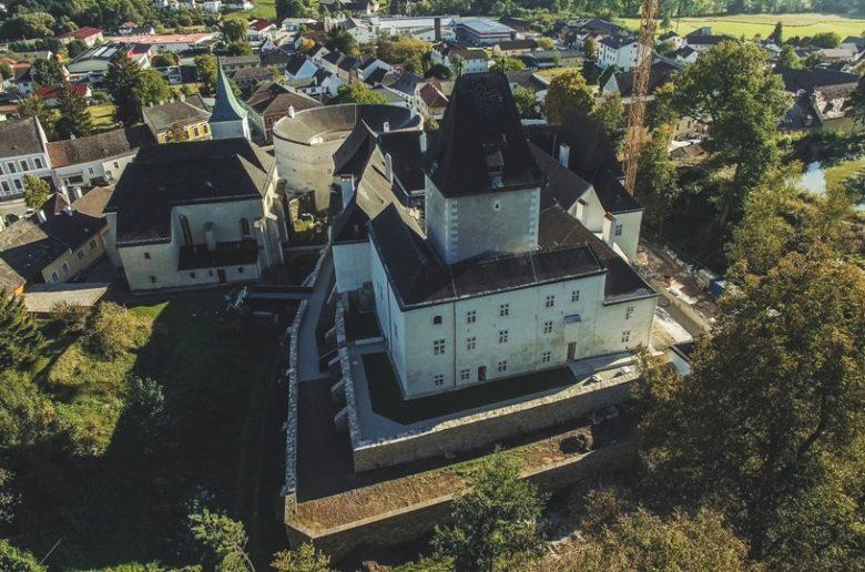 Schloss Pögstall - copyright Hubert Neufeld